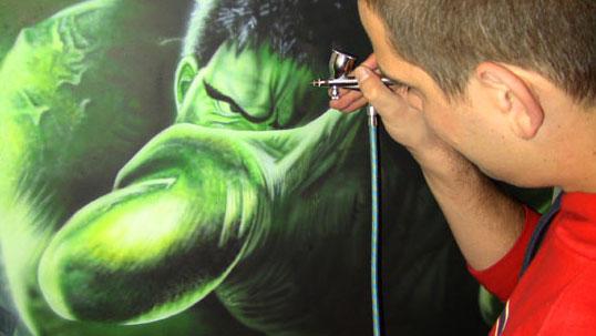 """airbrush hulk - """"How to Airbrush"""" from AirbrushTutor"""