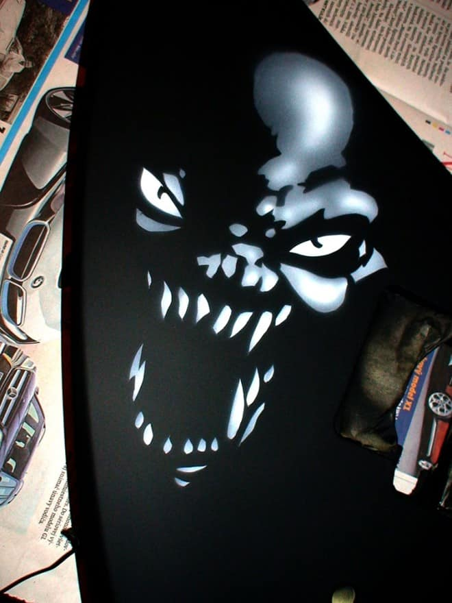 painting guitar 1 660x880 - Painting Guitar (video)