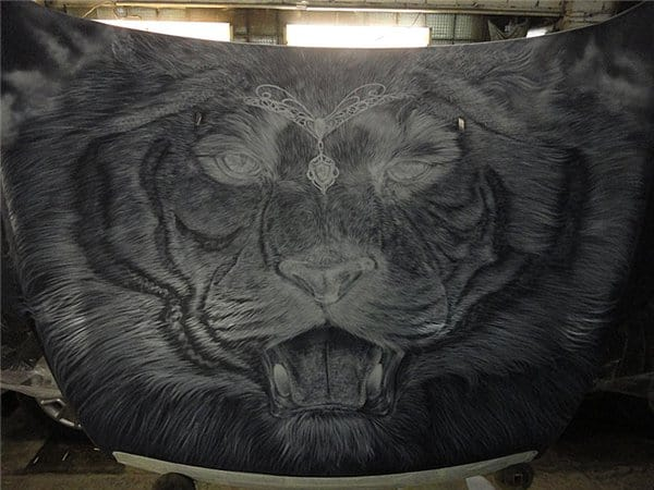 Airbrush Tiger Car Hood 13 - Airbrush a Tiger on The Car Hood Without Any Stencil