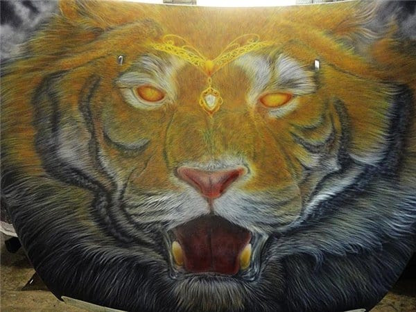 Airbrush Tiger Car Hood 18 - Airbrush a Tiger on The Car Hood Without Any Stencil